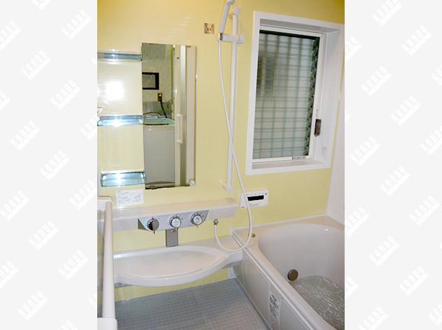 タイル式のお風呂から、未来を見据えたシステムバスへ