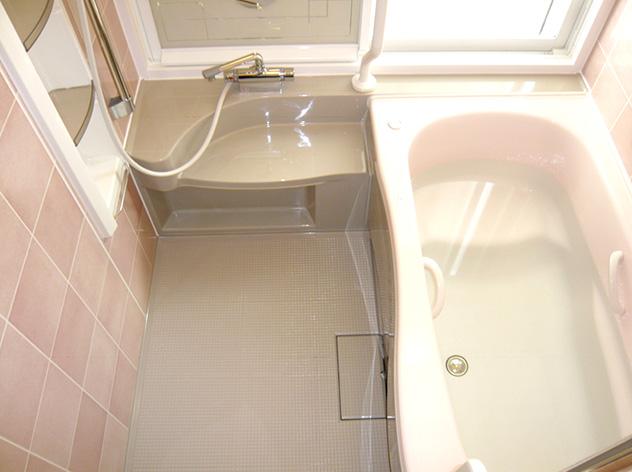 広くなった浴槽で、半身浴も